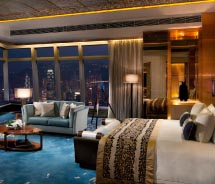 Suites come equipped with panoramic windows and telescopes. // © 2011 Ritz-Carlton, Hong Kong