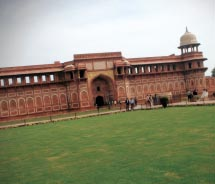 Visit the Red Fort. // © 2012 Janeen Christoff