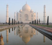 Sunrise Trip to the Taj Mahal. // © 2012 Janeen Christoff