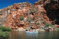 The Top of the Range Safari includes a visit to Yardie Creek. // (c) Ningaloo Safari Tours