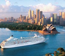 The Crystal Symphony sails into Sydney Harbor. // © 2011 Crystal Cruises