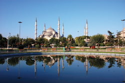 Istanbul's Blue Mosque is emblematic of the city's East meets West culture. // (c) Ming-yen Hsu