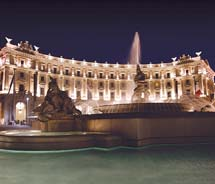 On Insight Gold tours, clients stay at five-star properties, such as the Exedra Roma hotel in Rome. // © 2011 Insight Vacations