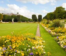 The Luxembourg Gardens in Paris // © 2012 Thinkstock