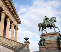 Berlin Old National Gallery // © 2012 thinkStock