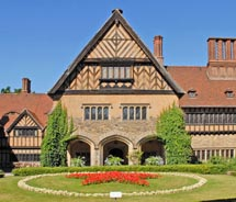 Castle Hotel Cecilienhof was the home of the Potsdam conference in 1945.  // © 2010 Jean-Pierre Dalbéra