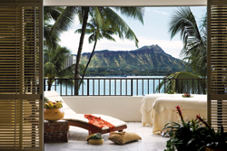 The lanai of Halekulani's Royal Suite offers a stunning view of Diamond Head. // (c) Halekulani