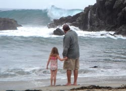 Watching the waves at Big Sur's Julia Pfeiffer Burns State Park// © 2010 Ken Shapiro