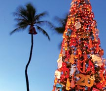 The 63-foot-tall Christmas tree during the Honolulu City Lights celebration // © 2010 Oahu Visitors Bureau