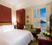 Insight's new Hawaii tour includes accommodations at Moana Surfrider. // © 2011 Starwood Hotels & Resorts