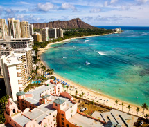 Diamond Head and Waikiki Beach, Oahu // © 2012 HTA/Tor Johnson