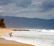 Oahu's North Shore // © 2012 HTA/Tor Johnson