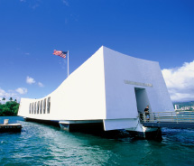 Arizona Memorial at WWII Valor in the Pacific, Oahu // © 2012 HTA/Kirk Lee Aeder