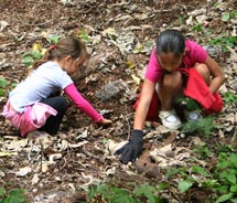 Resort guests can lend a helping hand in Hanokowai Valley.// © 2011 Monica Poling