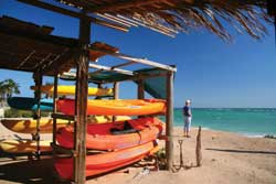 Sea kayaking is a popular sport at Cabo Pulmo. // © Janice Mucalov
