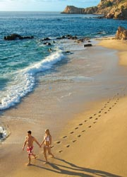 Romance packages abound in Los Cabos.// © 2010 Los Cabos Convention & Visitors Bureau