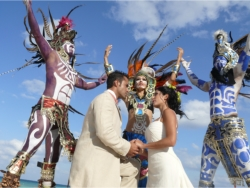 Real Resorts offer a variety of wedding celebrations ranging from basic weddings to more extravagant ceremonies. // © Real Resorts 2010