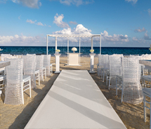 Palace Resorts, which recently introduced its Colin Cowie Wedding Collection, continues to expand its wedding services with interfaith marriages. // ©...
