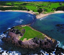 Punta Mita courses combine mountains, tropical forests and beaches with masterful course design. // © 2011 Mexico Tourist Board