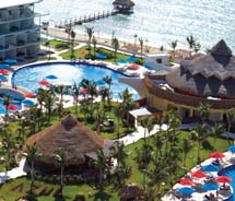 Agents can now book the Azul Sensatori resort through Gogo Vacations. // © 2011 Karisma Hotels & Resorts