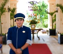 At the Occidental Royal Hideaway Playacar, service is key. // © 2011 Occidental Hotels & Resorts