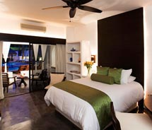 A newly renovated guestroom at the Hotel Bahia & Beach Club in Los Cabos, Mexico // © 2011 Hotel Bahia & Beach Club