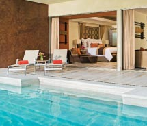 Ground-level Preferred Club suites feature semi-private pools // © 2012 AMResorts