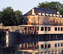 The 12-passenger Adrienne cruises the Champagne region. // © 2011 french country WATERWAYS