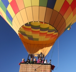 Skye Mayring goes hot air ballooning in New Mexico // (c) 2009
