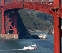 The Red & White Fleets sails under the Golden Gate Bridge // (c) Red & White Fleet