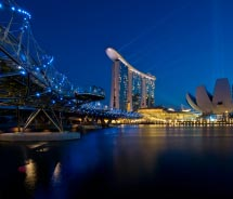 In which city can you see Marina Bay Sands? // © 2012 thinkstock