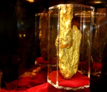 In which casino could visitors see the Hand of Faith, a 61-pound gold nugget? // © 2013 Ken Lund