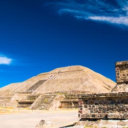 The pyramids here can be visited as a day trip from Mexico City. What is this site called? // © 2013 Thinkstock