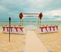 Karisma Hotels welcomes couples to tie the knot. // (C) 2010 Karisma Hotels