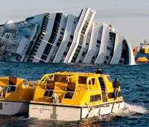 Costa Concordia sinks off the coast of Italy // (c) 2012 AP/Gregory Borgia