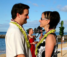 Matthew and Kimberly DeCovich renewed their vows with Outrigger. // © 2013 Outrigger Hotels and Resorts