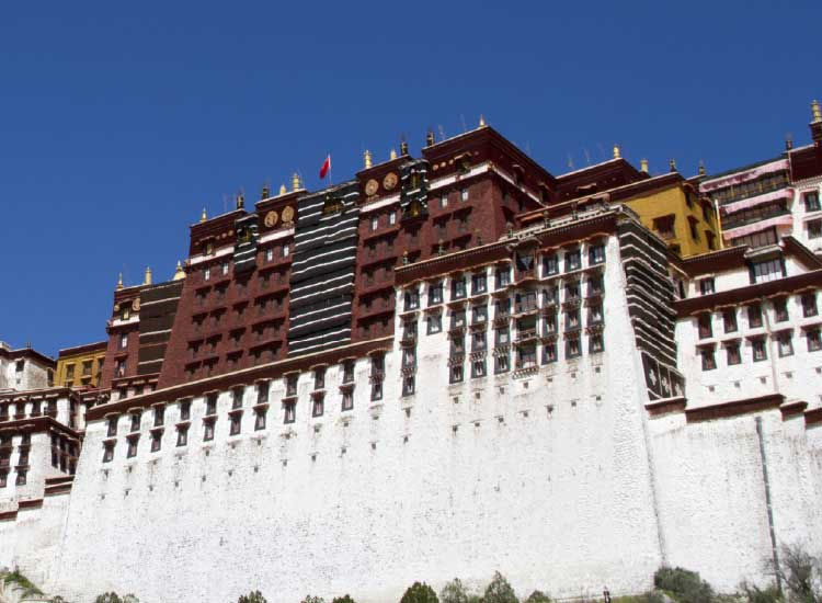 The Potala Palace in Lhasa, Tibet, is a majestic symbol of Tibetan Buddhism. // © 2013  Thinkstock