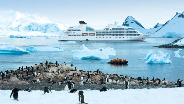 Seabourn is one of the cruise lines sailing the Antarctic. // © 2015 Sabourn Cruise Line