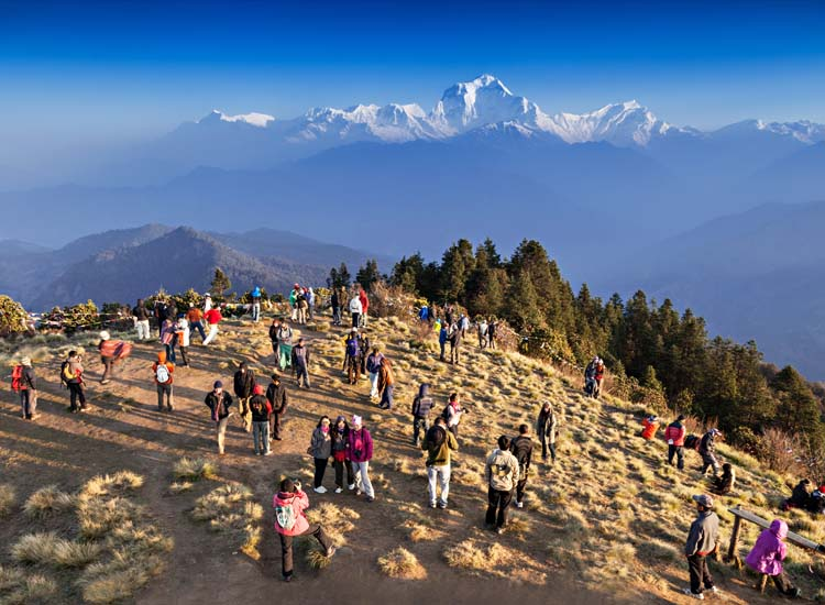 The highlight of many Annapurna treks is the sunrise ascent to Poon Hill (10,531 feet). // © 2015 Shutterstock