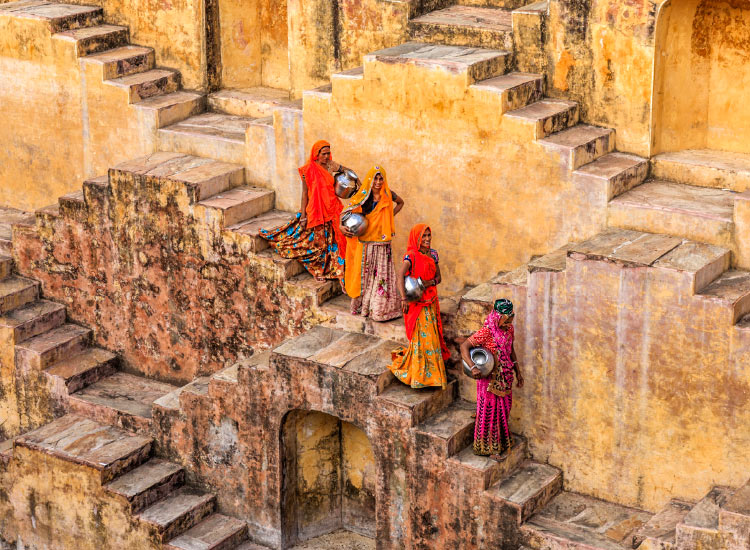 A tour operator arranged a customized photo tour in India. // © 2016 iStock