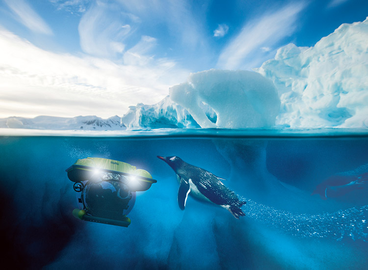 Dive by submarine in Antarctica onboard Scenic Eclipse. // © 2017 Scenic