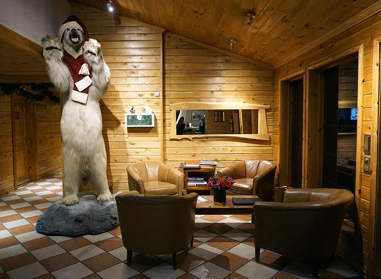 A 10-foot-tall polar bear named Hrammur greets guests near the hotel entrance.  // © 2017 Valerie Chen