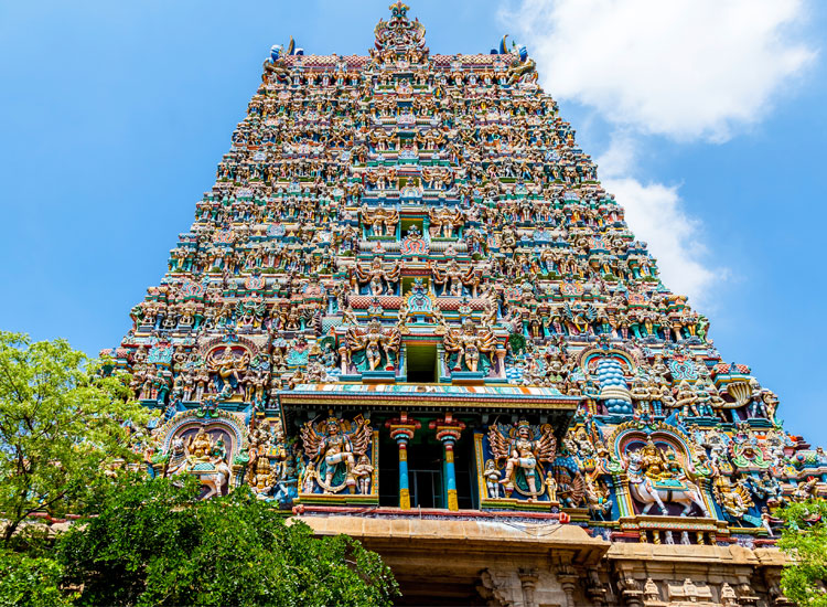 The colorful Meenakshi Temple in Madurai // (C) 2013 Thinkstock