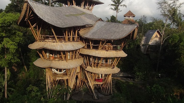 The six-level, four-bedroom Sharma Springs is built entirely of bamboo. // © 2016 Errol Vaes