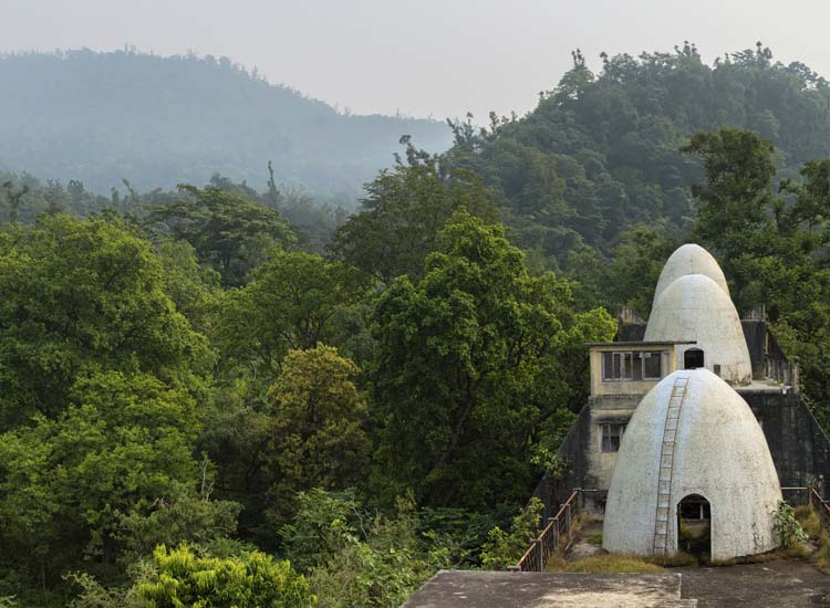 The ashram is located north of the city center of Rishikesh in the foothills of the Himalayas. // © 2014 Thinkstock