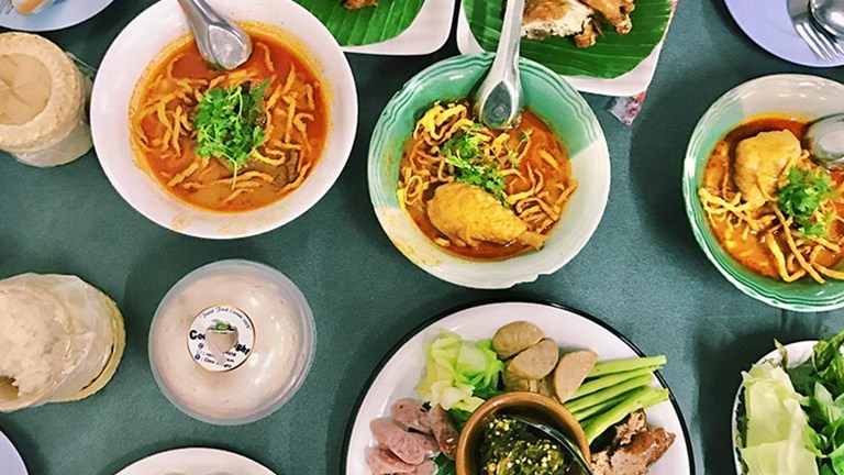 Discover the best of Chiang Mai in Thailand, including local eats at Huen Phen restaurant.  // © 2017 Valerie Chen