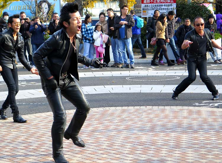 In Tokyo's Yoyogi Park, troops of dancing rockabillies entertain crowds with their Elvis-like costumes and dance moves. // © 2014 Boutique Japan