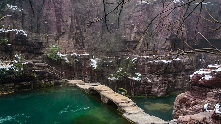 Visiting Hongshi Gorge in the winter offers a different perspective and less crowds. // © 2016 Henan Tourism
