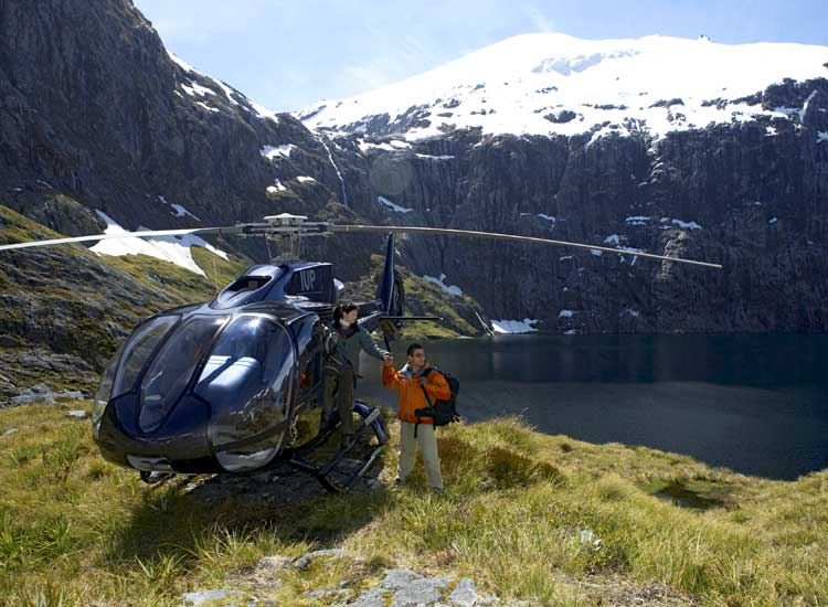 The Helicopter line offers the Franz Josef Heli Hike in conjunction with Franz Josef Glacier Guides. // © 2014 Thinkstock/IPGGutenburgUKLtd