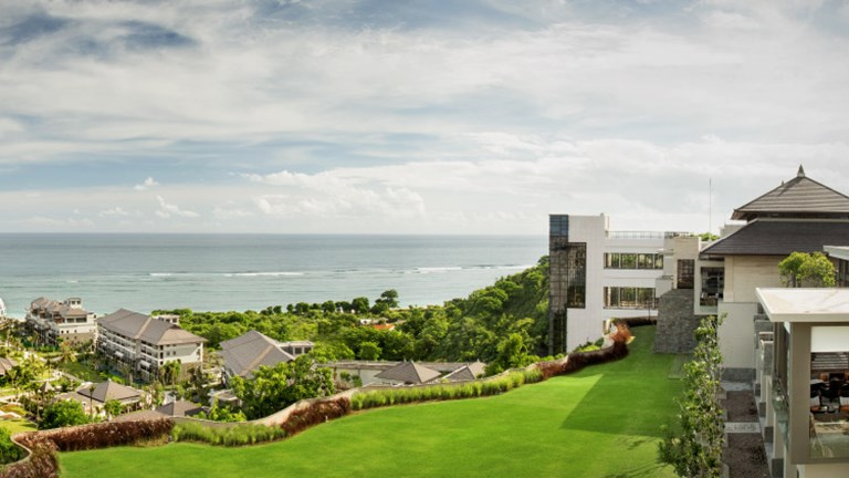 The Ritz-Carlton is located in the luxury resort town of Nusa Dua. // © 2017 The Ritz-Carlton, Bali